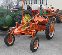 220px-Allis-Chalmers_G_UStractor_show